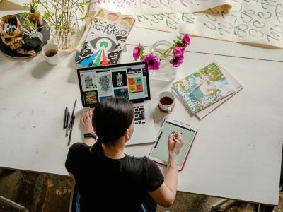 Liệu các doanh nghiệp SME có nên sử dụng dịch vụ marketing online trọn gói hay không?