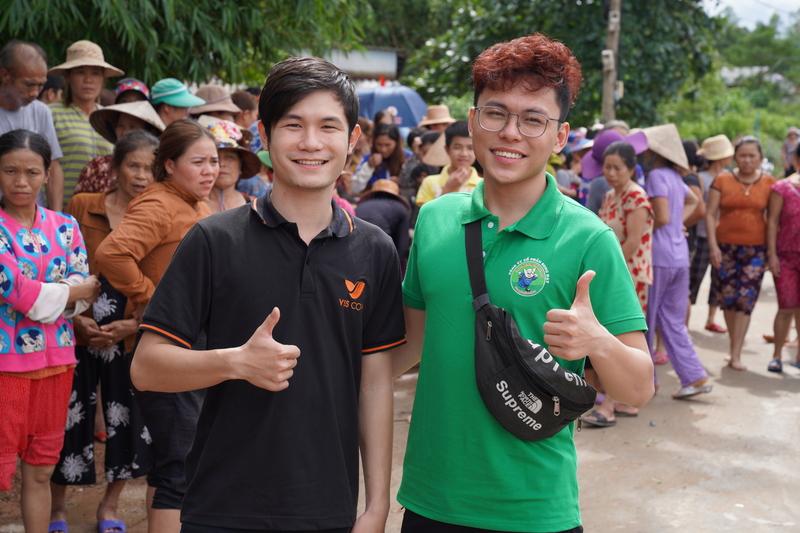 VSS Corp đồng hành cùng đối tác Song Đạt Food có chuyến đi từ thiện tại miền Trung
